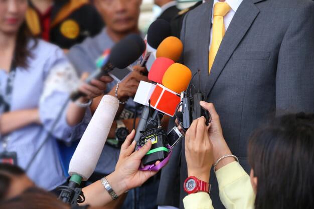 ワーストケースを想定したシナリオで、現役記者を起用した模擬謝罪会見